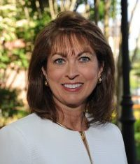 Headshot of Dr. Nancy Dishner