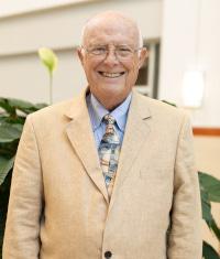 Headshot Dr. Joe Smiddy