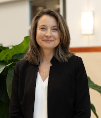 Headshot of Dr. Karen Shelton